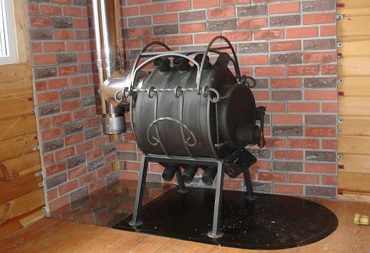 На снимке печь для бани Бренеран (Буллерьян)