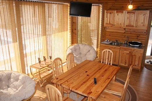 Деревянные окна могут быть выполнены из разных пород древесины