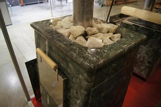 На фото представлена печь «Сударушка К»