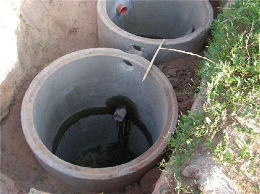 На снимке представлена система отвода вод