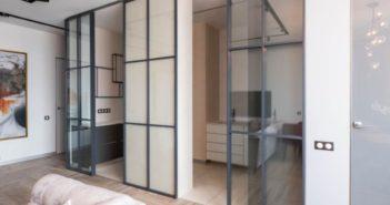 Современные раздвижные стеклянные перегородки
