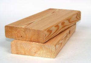 Строганная доска из лиственницы: особенности и достоинства 2